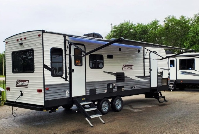RV Trailer Rentals in Phoenix Arizona with slide outs