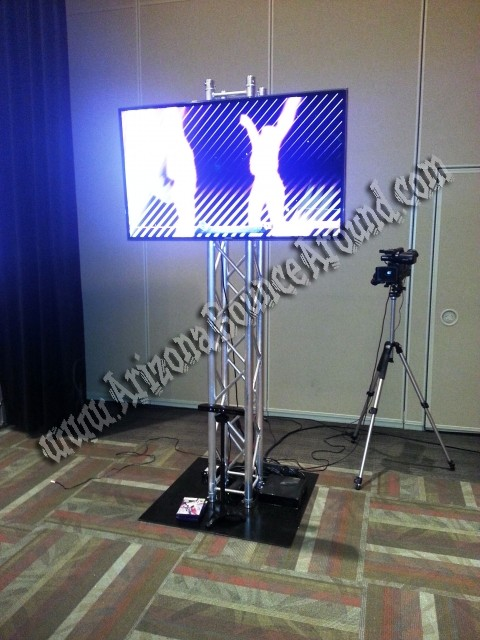 Flat Screen with Truss